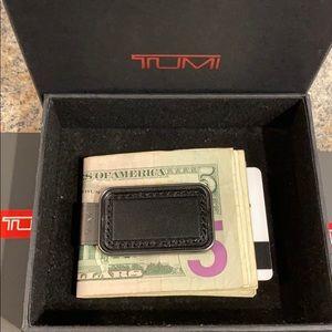 TUMI wallet NASSAU MONOGRAM PATCH MONEY 💵 CLIP